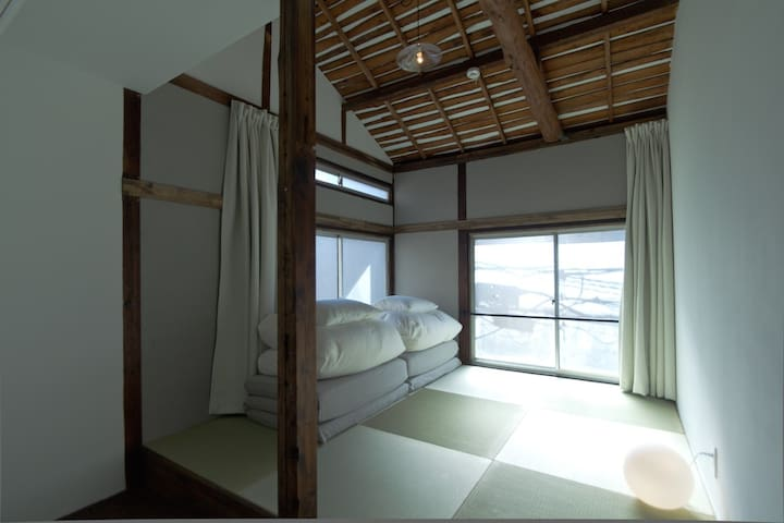 KONOHA・Japanese style/Shared bathroom (2F)