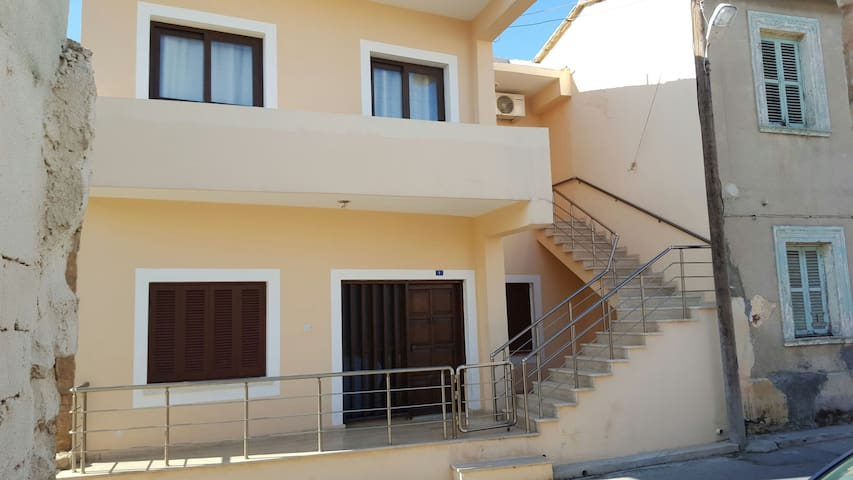 Flat in old town Famagusta. - Old Town,surlarici