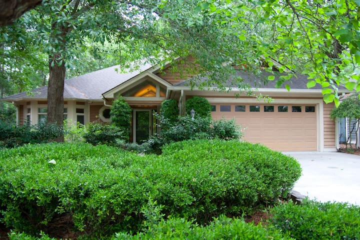 Beautiful, Spacious Tidewater Home