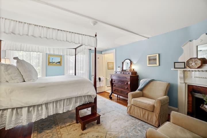 Room 23 - Martin House Inn - 1 Queen bed