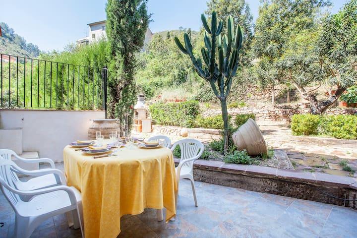 Casa con jardín en Eslida - Eslida - House