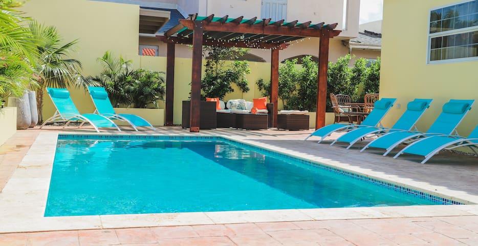 Aruba 3 Bedrm 2.5 Bath Pool Home -Noord/Palm Beach