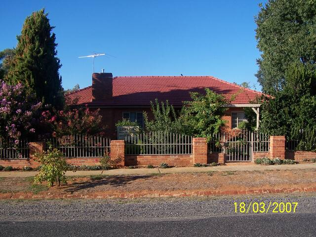 Kath's Place Holiday Accommodation - Corowa