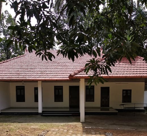Kallarackal House - Room 3