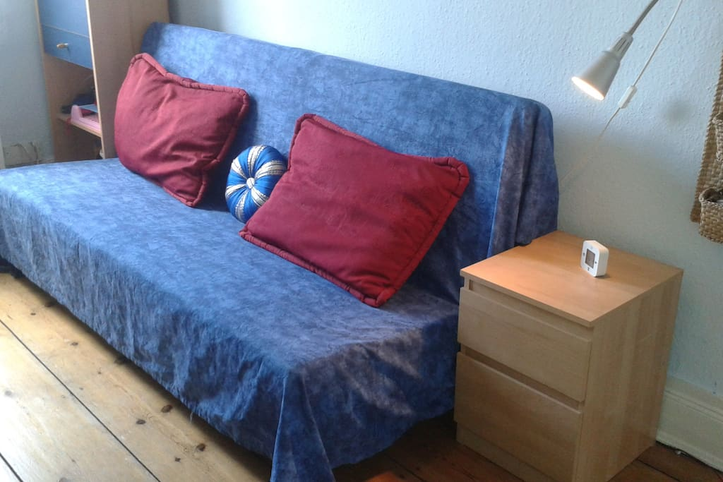your place at sternschanze bed breakfasts zur miete in. Black Bedroom Furniture Sets. Home Design Ideas