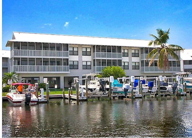 Pine Island, FL Waterfront Condo - Bokeelia - Appartement