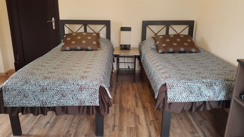 Twin deluxe rooms - Geghadir