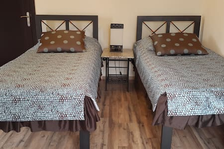 Twin deluxe rooms - Geghadir - Bed & Breakfast