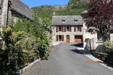 maison de vacances - Saint-Vincent-de-Salers