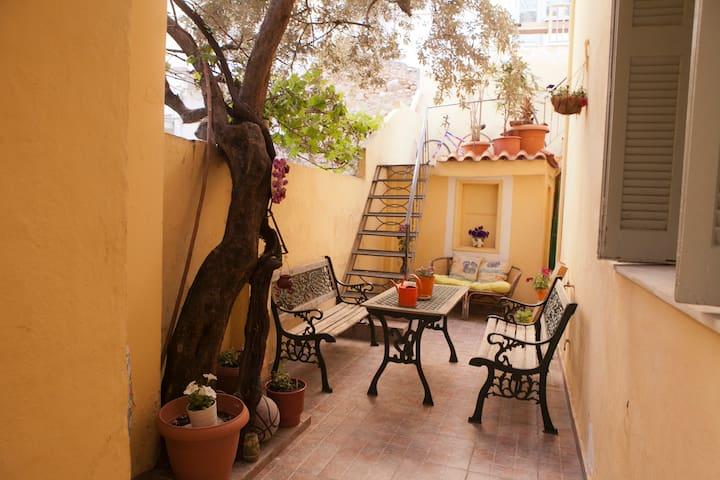 Μονοκατοικία κοντά στην Ακρόπολη - Athina - House