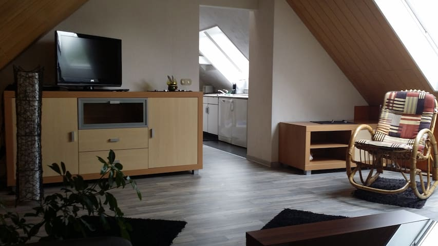 DG-Wohnung im Mehrfamilienhaus - Garbsen