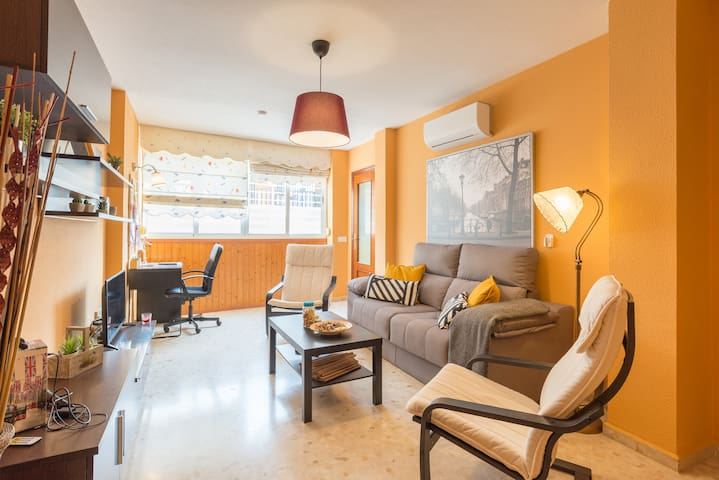 Comfortable Apartment near Beach