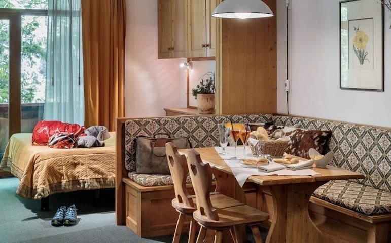 Ampia stanza in albergo a Cortina centro