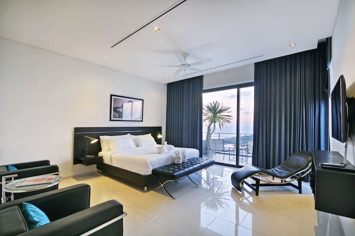 Bedroom 1, floor 4