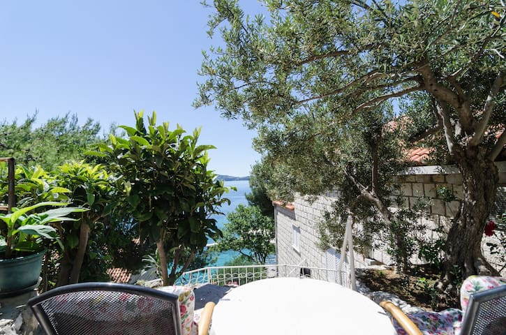 Guest House Daniela - Double Room with Terrace and Sea View