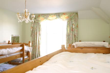 6 Bunk Bed room - Llandudno - ที่พักพร้อมอาหารเช้า