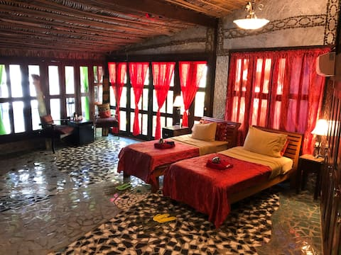 The WINERY 2 Bedroom Suite with hot tub+ breakfast