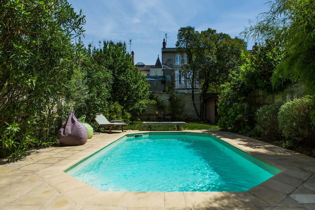 Gde chbre sdb maison 265m2 piscine chambres d 39 h tes for Piscine bordeaux