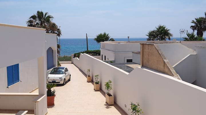 Suite with 5 beds just a few meters from the sea