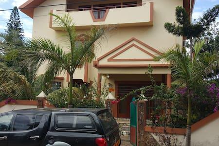 Nshuti House , friendly House 1 R - Maputo