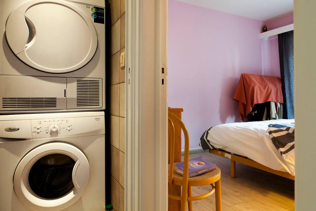 lave-linge et sèche linge à votre disposition