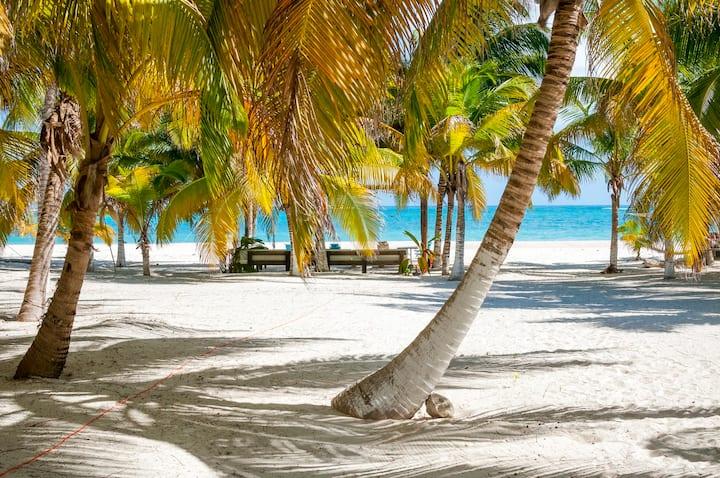 Beachfront villa exclusive beach- Sian Ka'an Tulum