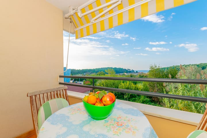 Lovely view studio-Close from beach-Great location