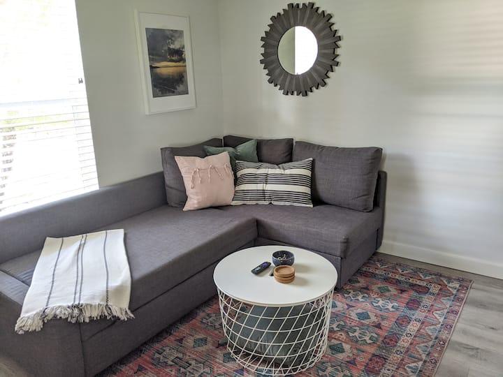 Cozy Mother-in-law Suite near NB Park/UTC