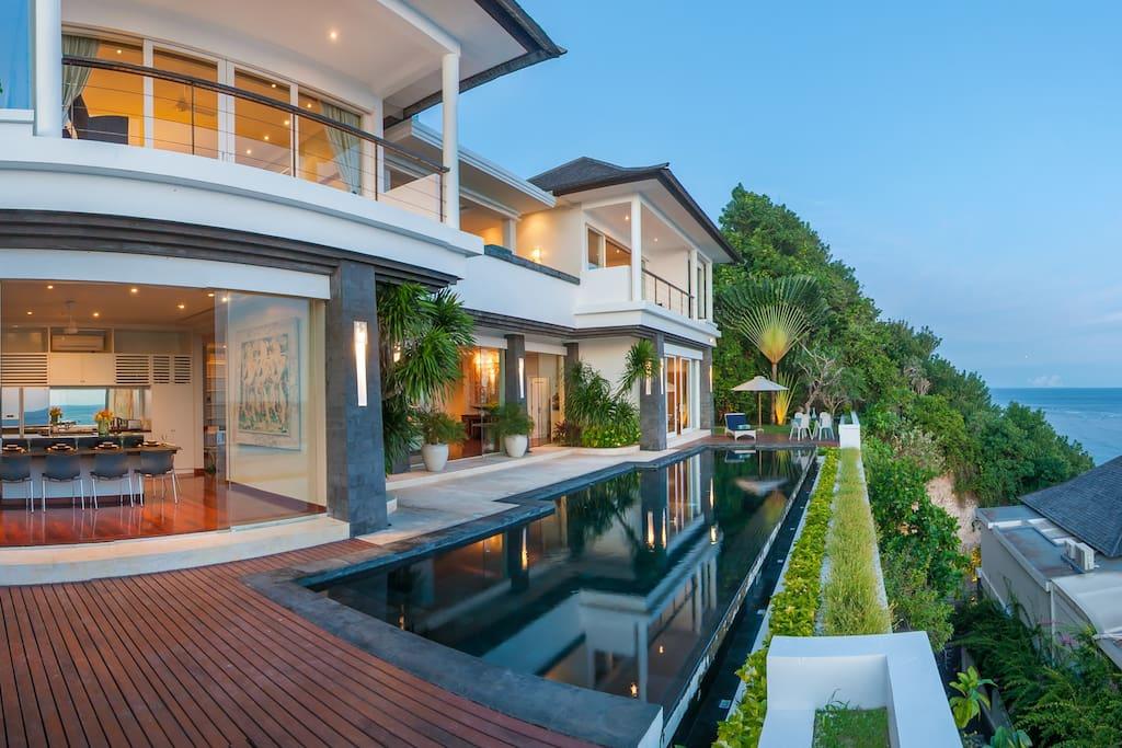 amazing beach villa with ocean view chef villen zur. Black Bedroom Furniture Sets. Home Design Ideas