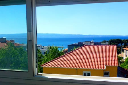Sea view apartment with beach 150 meter away!