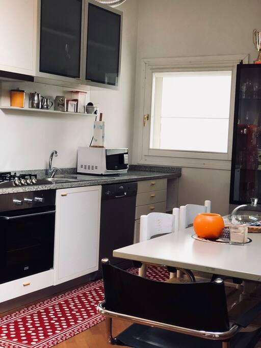 Full clean  working kitchen