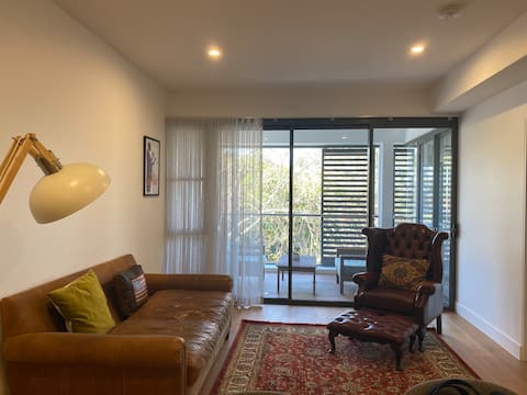 Modern apartment in the heart of Cammeray village