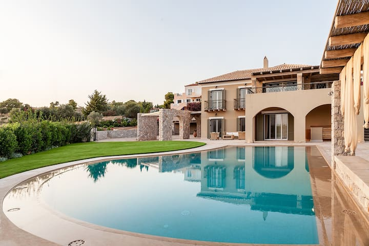 Sea view villa in Porto Cheli - Ververouda