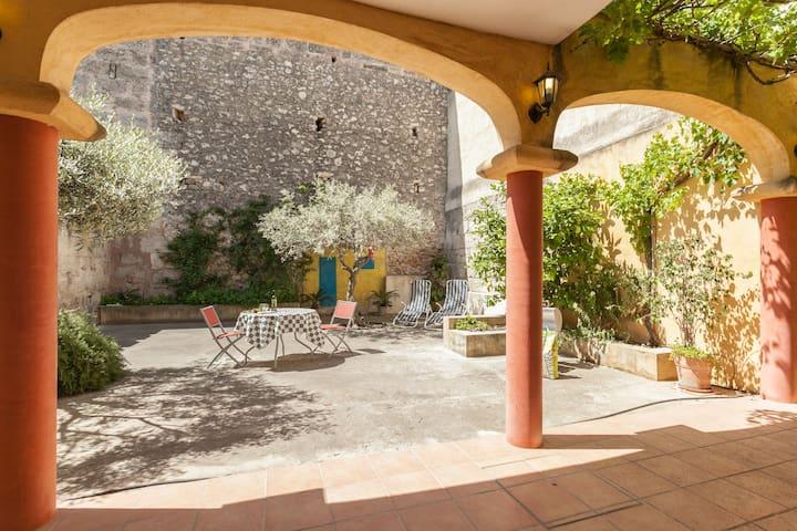 Mágico patio cercano al mar - Santa Margalida