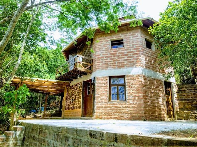 Casa de Pedra na Comunidade Ecovila Karaguatá