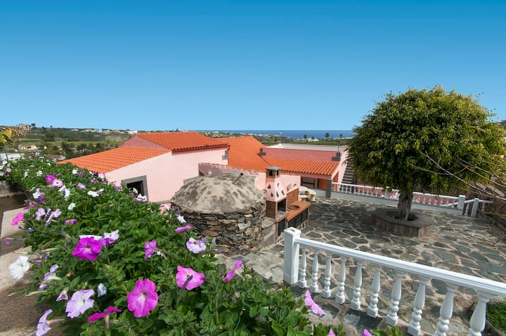 Holiday Cottage in Arucas (GC0063)