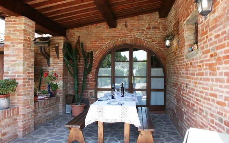 """Apartment AVENA in Villa """"Molin Vecchio"""" Tuscany - Foiano della Chiana - Appartement"""