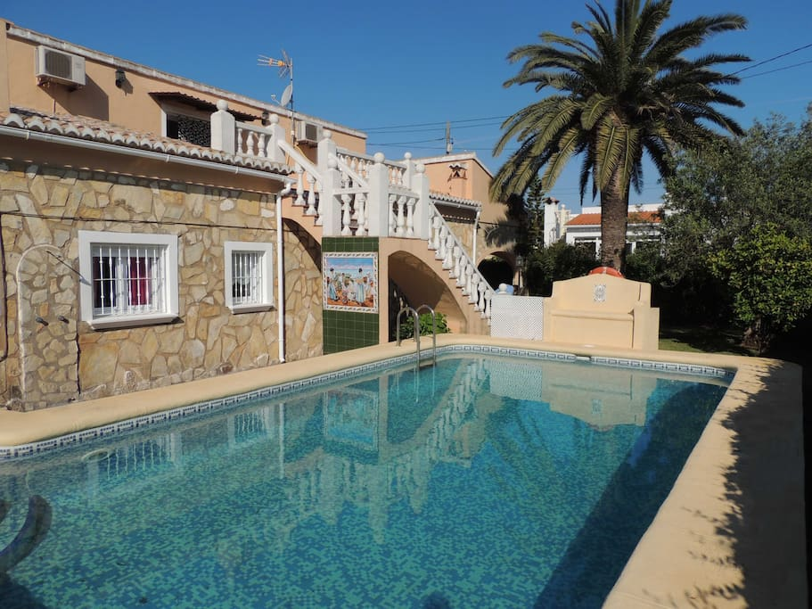 Maravilloso chalet independiente con piscina denia casas for Casas rurales con piscina comunidad valenciana