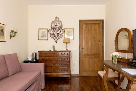 SALVIA Suite - Mezzane di Sotto - Bed & Breakfast
