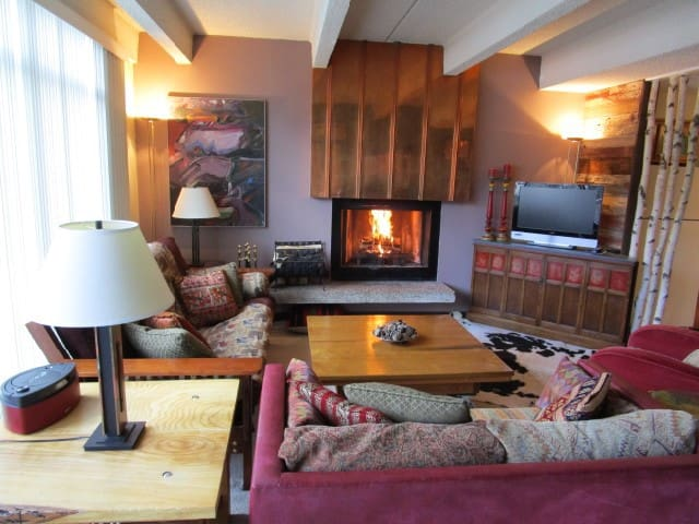 Copper Mtn: Ski In/Out, 2Bd/2Ba Apt - Copper Mountain - Appartement