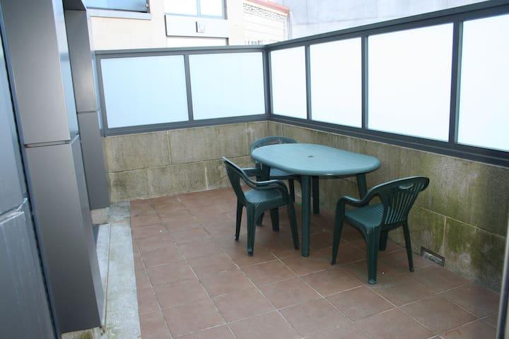 Moderno piso de tres habitaciones - Illa de Arousa