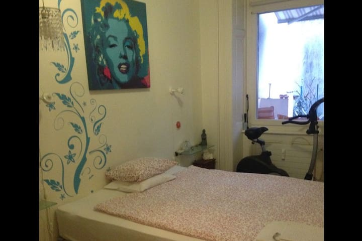 LOVELY 3 ROOM APARTMENT WITH GARDEN - Basel - Lejlighed