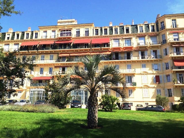 LUXURIOUS APARTMENT IN PALACE TO CANNES - Cannes - Lägenhet