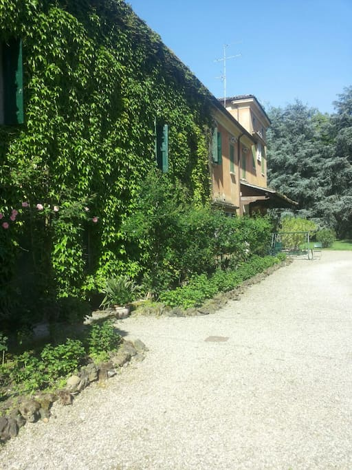 Vacanza in villa con piscina bed breakfasts te huur in colombaro di formigine modena - Huis modena ...