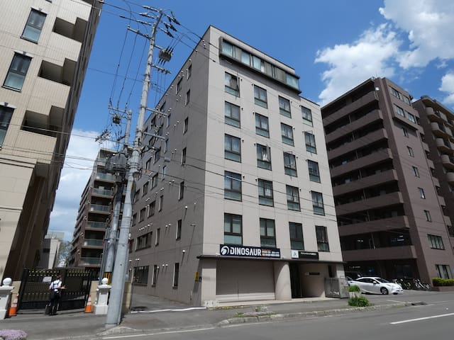 D8. Sapporo station 5 min. on foot nice location