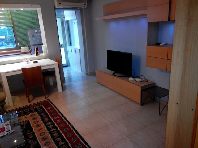Cozy 1 BED Apt in PREMIUM LOCATION - Tiranë - Lägenhet