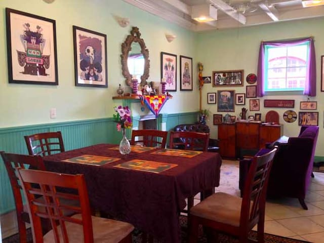 Beautiful Home Near French Quarter - New Orleans - Bed & Breakfast