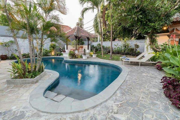 MIRACLE VILLA: Newly renovated  in Sanur, Bali