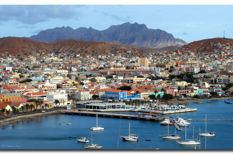 Come and enjoy Cape Verde, Sāo Vicente, while you stay with us (venha desfrutar de Cabo Verde, Sāo Vicente, connosco).