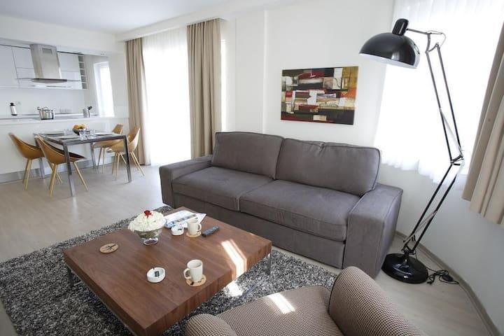 Cozy, private suites in the famous Nişantaşı (2+1)